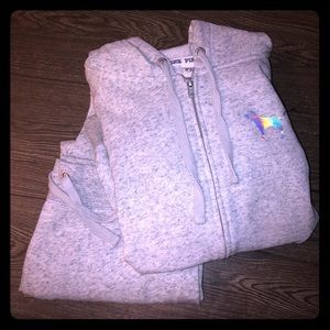 VS grey sweatsuit
